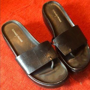 Donald J Pliner black signature flip flops 8
